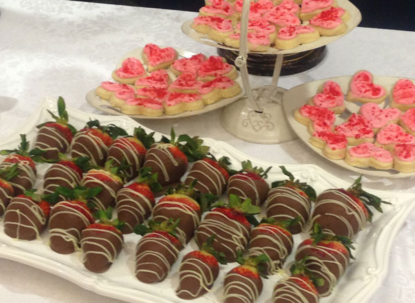 choc-strawberries-and-cookies