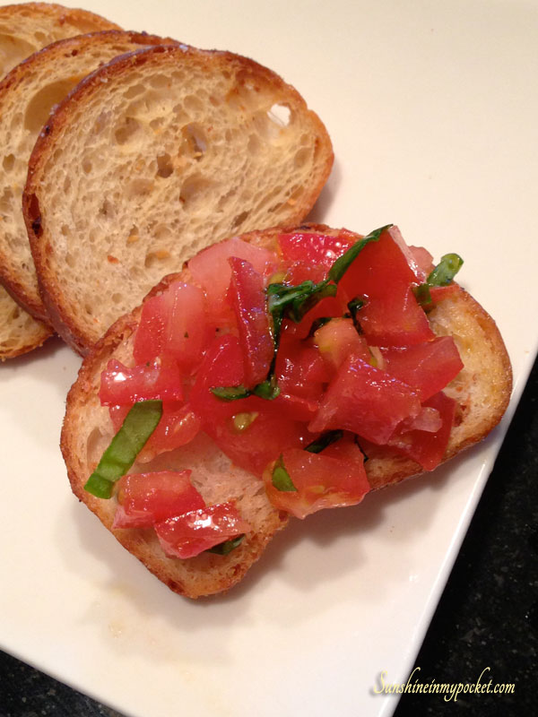 close-up-bruschetta